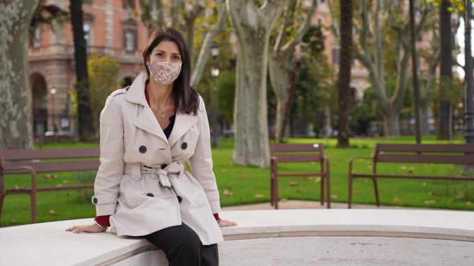 Rome mayor recovers from covid-19 and returns to city hall