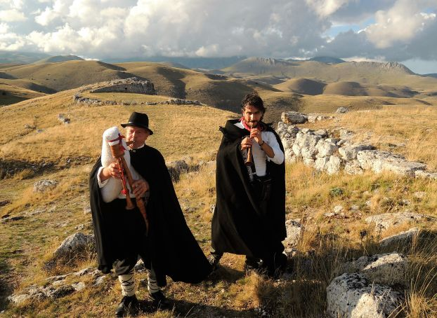 Zampognari: Italy's Christmas tradition of bagpipe-playing shepherds