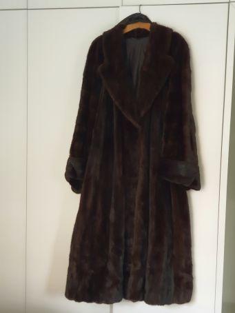Selling pre-owned Liska Mink Fur