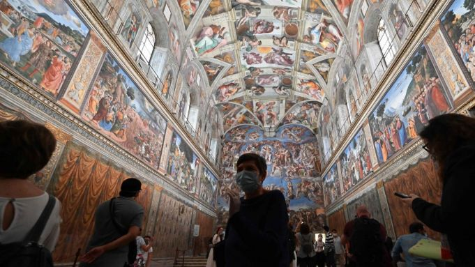 Covid-19 in Italy: Vatican Museums reopen after 88 days