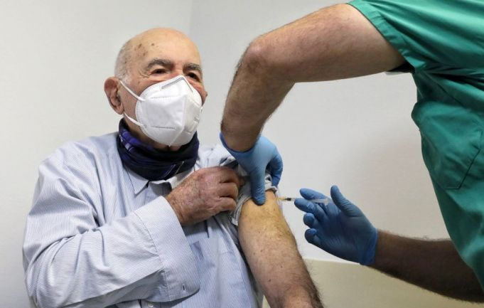 Italy: Auschwitz survivor gets covid-19 vaccine in Rome