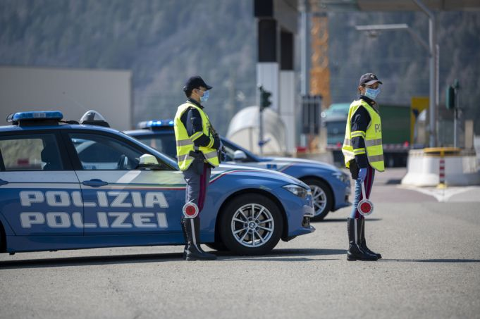 Covid-19: Italy extends travel ban between regions