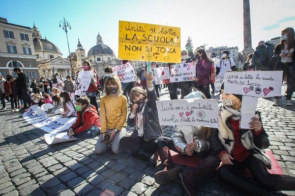 Children across Italy protest over covid school closures