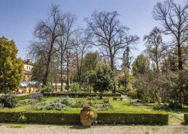 Semplici Botanical Garden