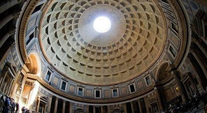 Dies Natalis: the Pantheon's magical arc of light for Rome's birthday