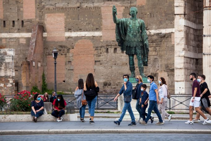 Italy reports lowest covid daily death toll in 7 months