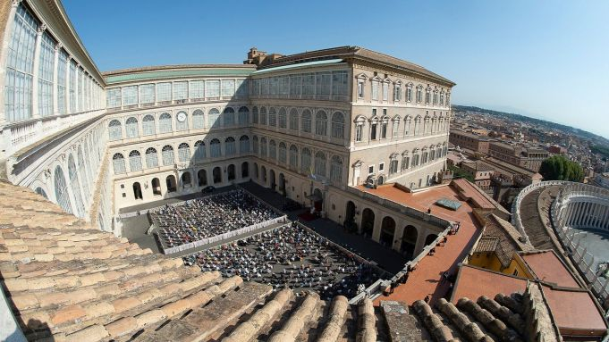 Pope Francis resumes weekly in-person audiences with the faithful