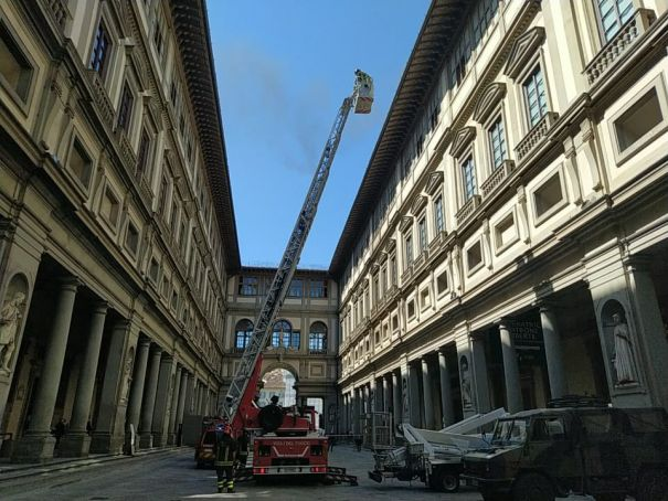 Florence's Uffizi Gallery evacuated due to smoke from roof