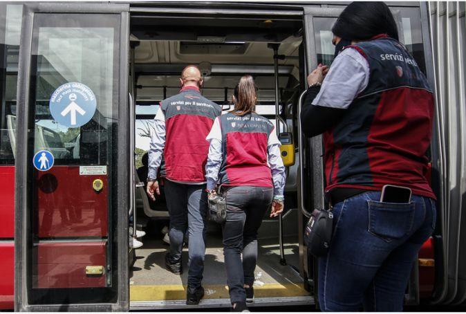 Rome bus ticket inspectors get back on board