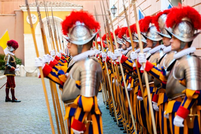 Vatican to swear in new Swiss Guards on 6 May