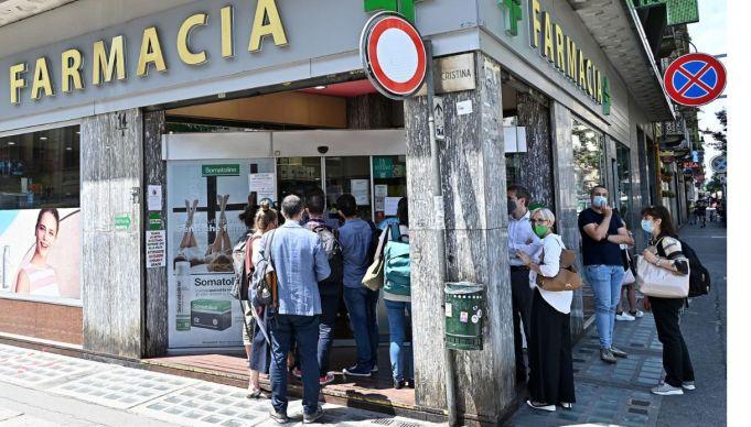 Green Pass: Rome pharmacies 'not print shops'