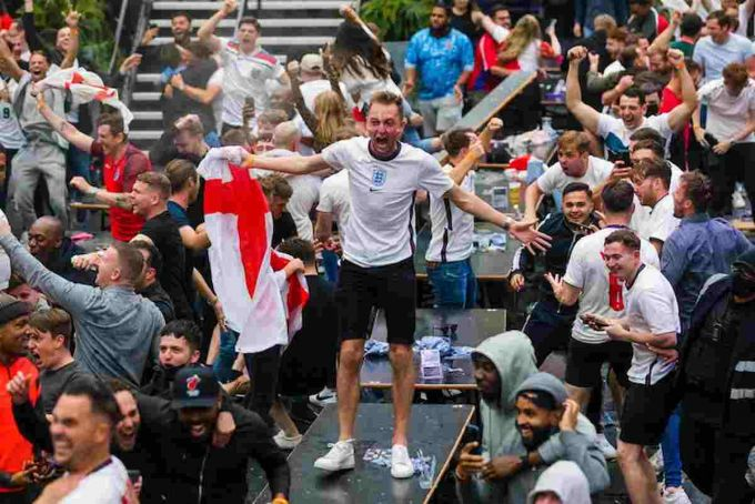 Rome Euro 2020 quarter final tickets cancelled for England fans in UK