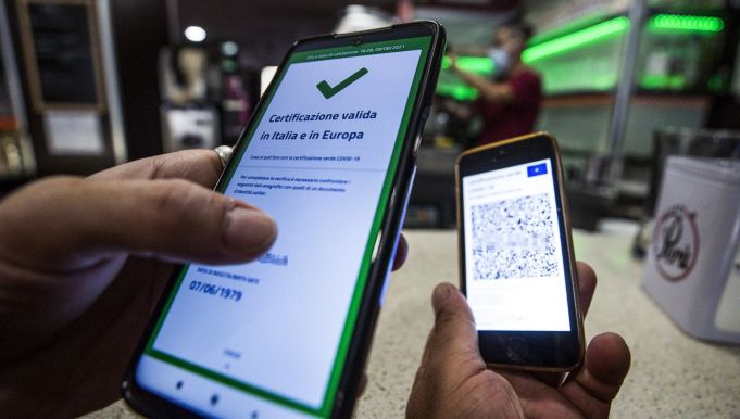 Italy Green Pass: Bars to ask for ID but only in cases of suspect certs