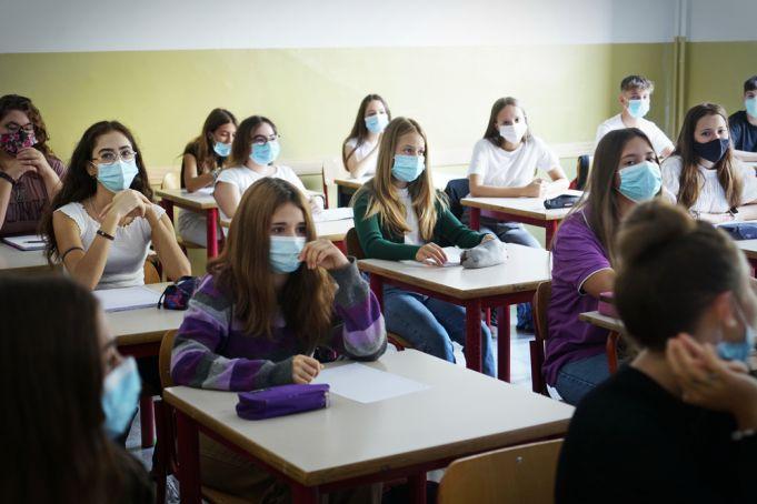 Italy makes covid Green Pass mandatory for teachers