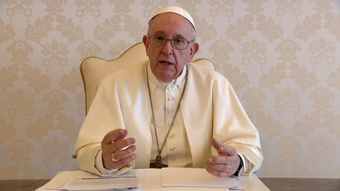 Pope says covid-19 vaccination 'act of love'