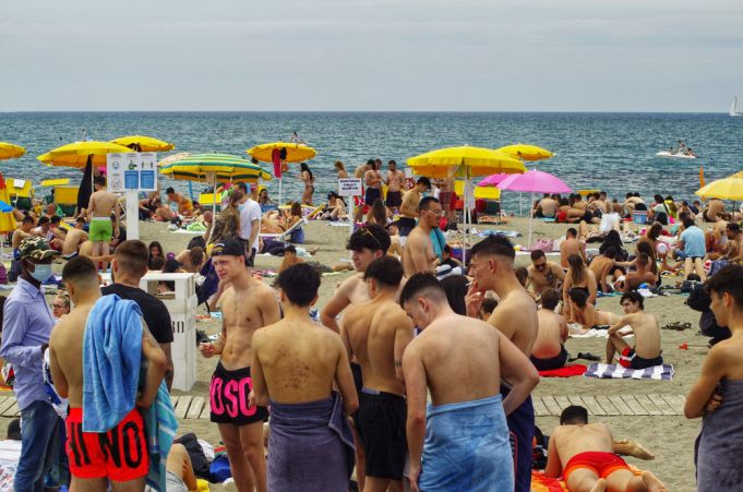 Italy Green Pass: Rome police to carry out checks on coast over holiday weekend