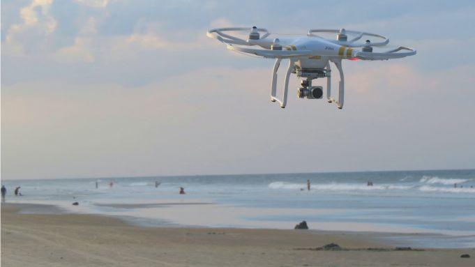 Covid-19 Italy: Drone to check body temperatures at beach near Rome