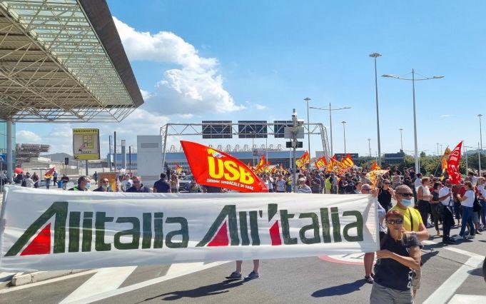 ITA: Alitalia protest blocks Rome airport motorway