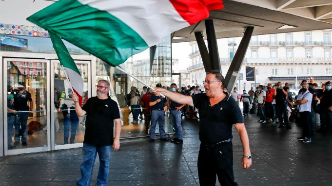 Italy Green Pass protests flop at train stations