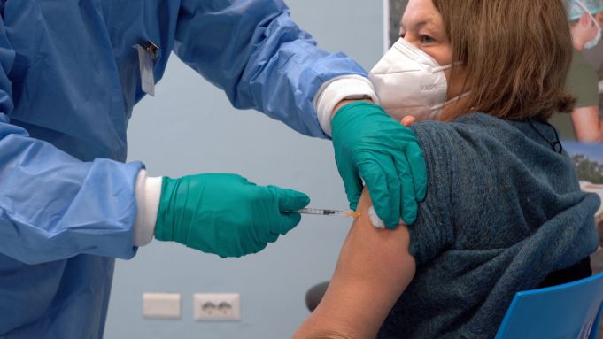 Italy to start giving third dose of covid vaccine on 20 September