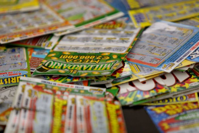 Naples tobacconist who stole winning scratch card stopped in Rome airport
