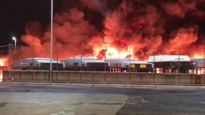 Rome: 30 buses destroyed in depot fire