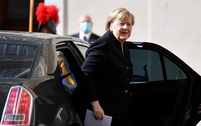 Angela Merkel in Rome on farewell visit to Italy
