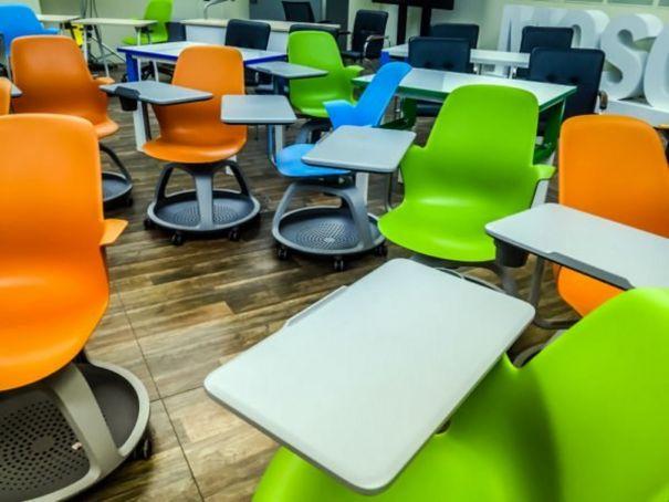 Covid: Italy recalls single-seat school desks over fire risk