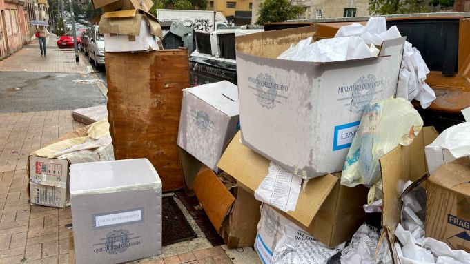 Rome ballot boxes dumped at street bins after elections