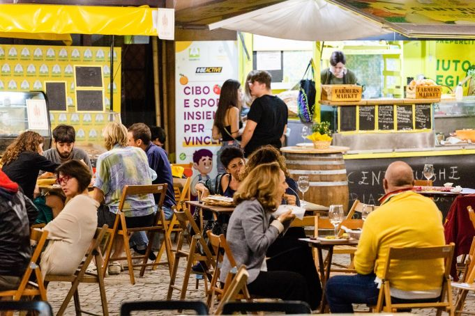 Rome farmers' market Saturday aperitivo at Circus Maximus