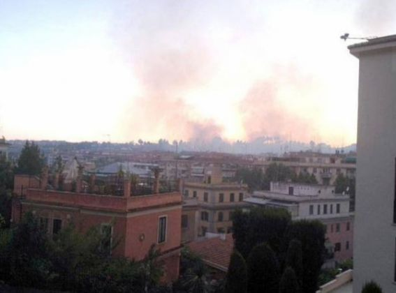 Bushfire in northern Rome - image 4
