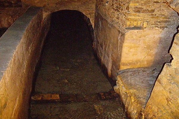 Roman aqueduct found under Zara store in Rome - image 2