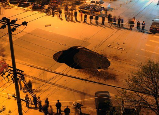 Rome's giant potholes - image 3