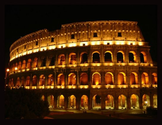 Safety buffer zone around Rome's Colosseum - image 3
