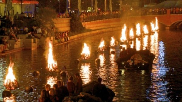 WaterFire lights up Rome's Tiber - image 3