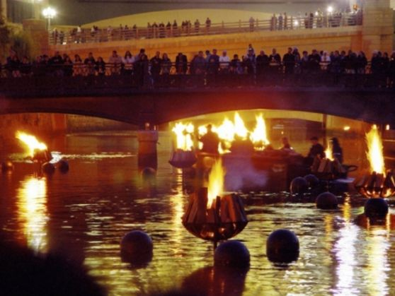 WaterFire lights up Rome's Tiber - image 2