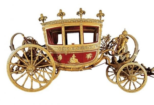 Papal carriages and cars since 1825 - image 1