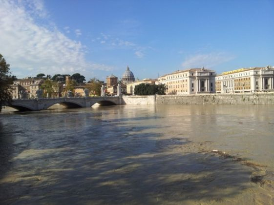 Tiber rises to dangerous level in Rome - image 1