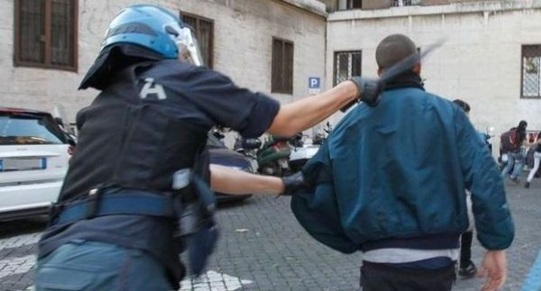 Clashes in Rome during anti-austerity protests - image 4