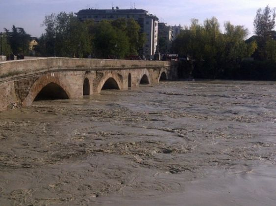 Tiber rises to dangerous level in Rome - image 4