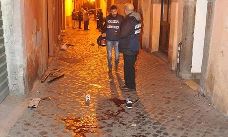 Tottenham fans attacked in Rome - image 3