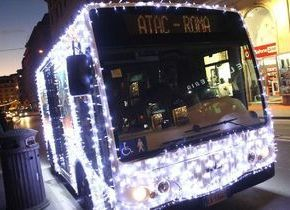 Rome bus lights up for Christmas - image 2