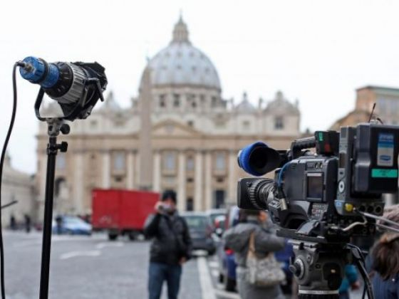 Reaction in St Peter's Square - image 2