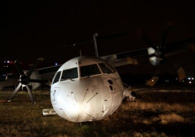 Plane veers off runway at Rome airport - image 2
