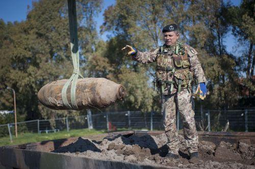 Army deactivates WWII Ciampino bomb - image 2