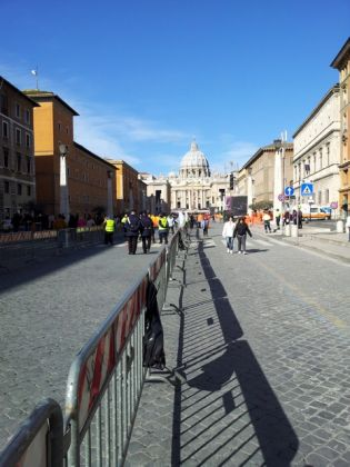 St Peter's shines for Pope Francis - image 4