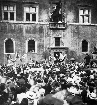 Mussolini's bunker under Palazzo Venezia - image 3