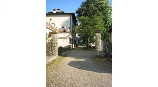 Castelli International School - image 2