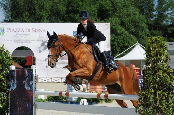 Rome's Piazza di Siena horse show - image 2