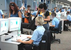 American air hostess with gun arrested at Fiumicino - image 2